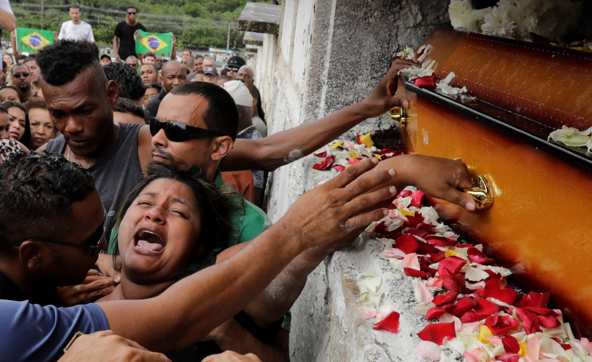 Relatives Say Goodbye to Musician Gunned down by soldiers in Rio
