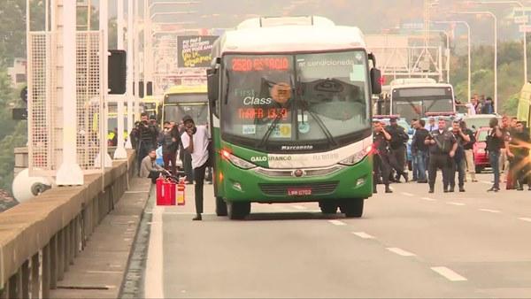 Willian Augusto da Silva hijacks a bus with a toy gun in Rio de Janeiro