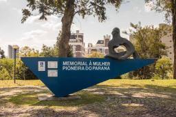 Memorial à Mulher in Curitiba