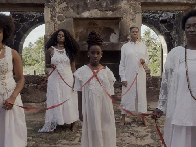 Luedji Luna gives voice to Black Women with intimate Exploration