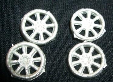 4x bike wheels.