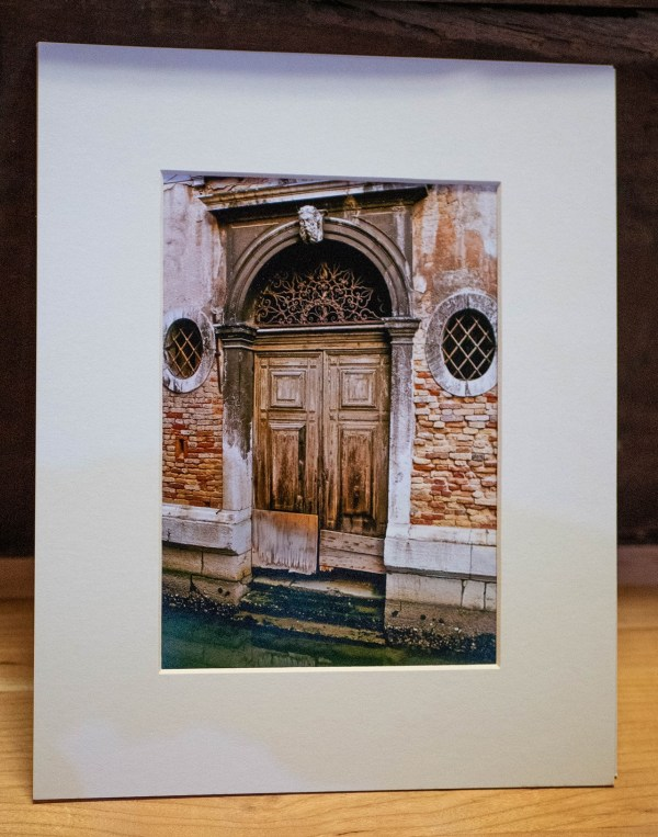 Venice-Doorway-2-Photography-Matted-Black-Cat-Gallery-Owego