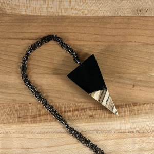 black resin wood nceklace