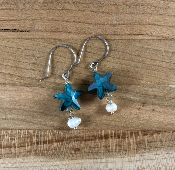 swarovski blue star pearl earrings