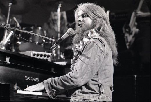 Leon Russell performing in the early 1970s. Credit: Robert Knight Archive/Redferns, via Getty Images