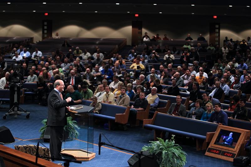 Dr. Mac Brunson ministers at First Baptist Church (Bill Thompson Photography)
