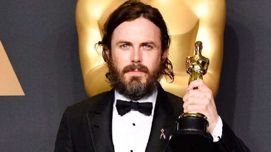 Actor Casey Affleck, winner of Best Actor for 'Manchester by the Sea' poses in the press room during the 89th Annual Academy Awards at Hollywood & Highland Center on February 26, 2017 in Hollywood, California. (Photo by Frazer Harrison/Getty Images)