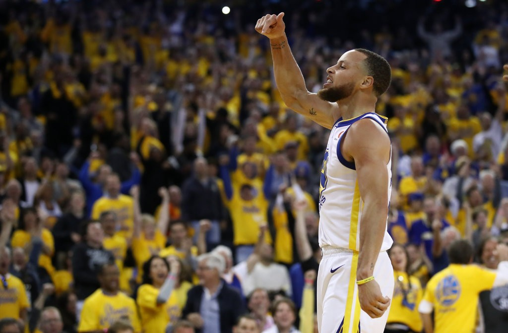 Golden State's Stephen Curry broke out for a huge second half in a blowout win of the Houston Rockets in Game 3 of the Western Conference finals on Sunday. (Credit: Ezra Shaw/Getty Images)