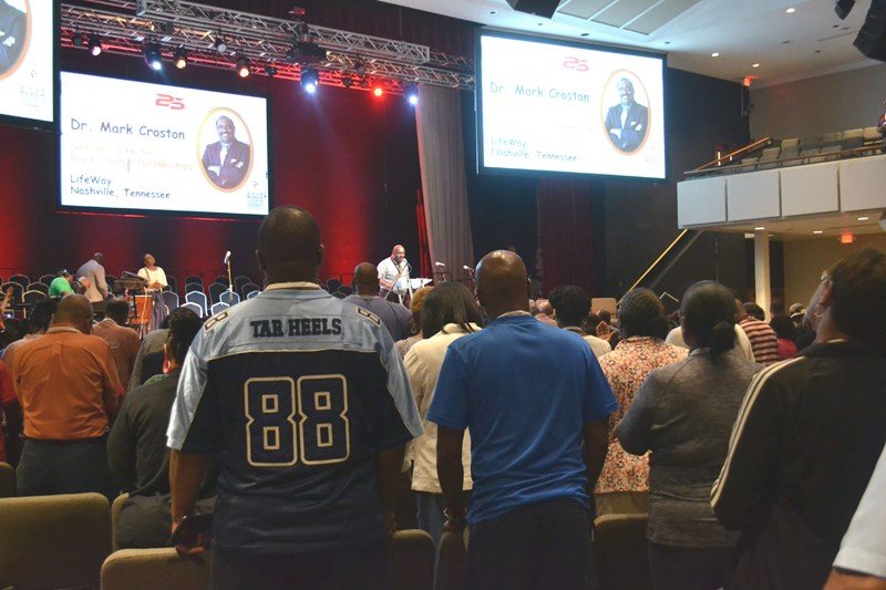 Mark Croston, national director of LifeWay Black Church Partnerships, presents the July 16 opening prayer of the 2018 Black Church Leadership and Family Conference at Ridgecrest, N.C. (Photo by Diana Chandler)