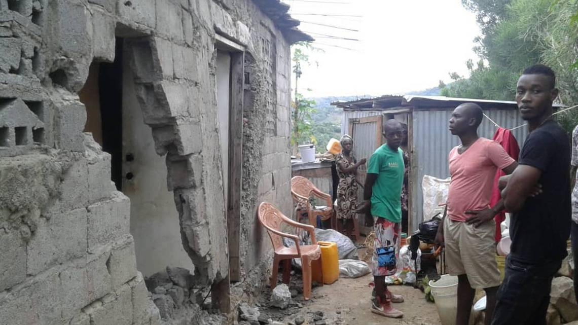 In Port-de-Paix, Haiti, residents are asking for temporary shelter after homes were destroyed by an earthquake on Saturday night. /Ychmuth Corneille (Special to the Miami Herald)