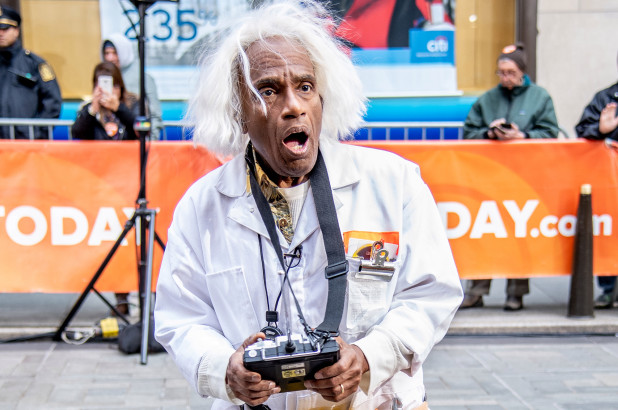 """Al Roker as """"Doc"""" Brown from """"Back to the Future"""" (Getty Images)"""