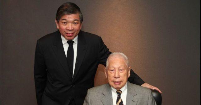Teo Siong Seng (left), executive chairman, and Chang Yun Chung, founder and chairman emeritus of Pacific International Lines. (Pacific International Lines)