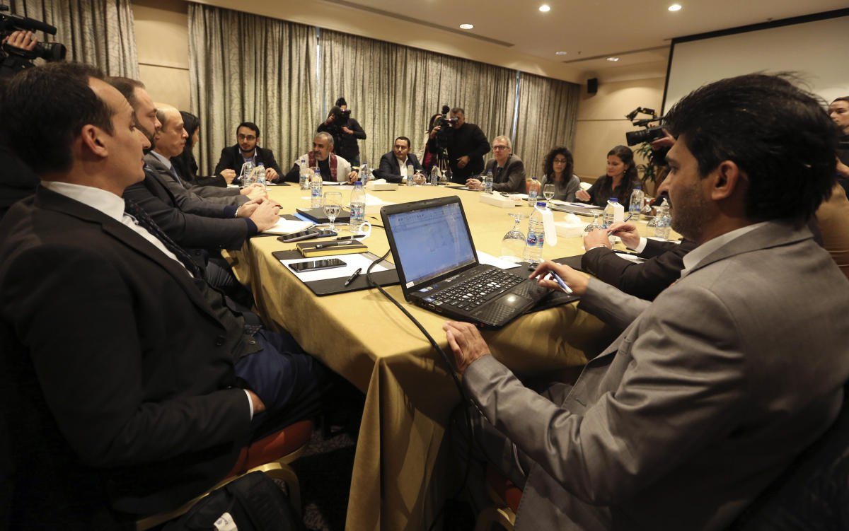 Yemen's Warring Parties Submit Lists of Names to United