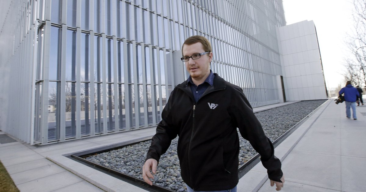Roy Jeffs, son of jailed polygamous leader Warren Jeffs, leaves the federal courthouse Wednesday, Feb. 24, 2016, in Salt Lake City. Lyle Jeffs and another polygamous sect leader in Utah are pleading not guilty to orchestrating what prosecutors call a wide-ranging food-stamp fraud scheme. Roy Jeffs is former member of the sect. (Rick Bowmer | AP file photo)