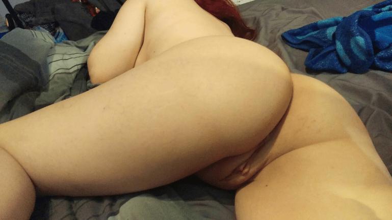Amateur Hotwife Elena - image  on https://blackcockcult.com