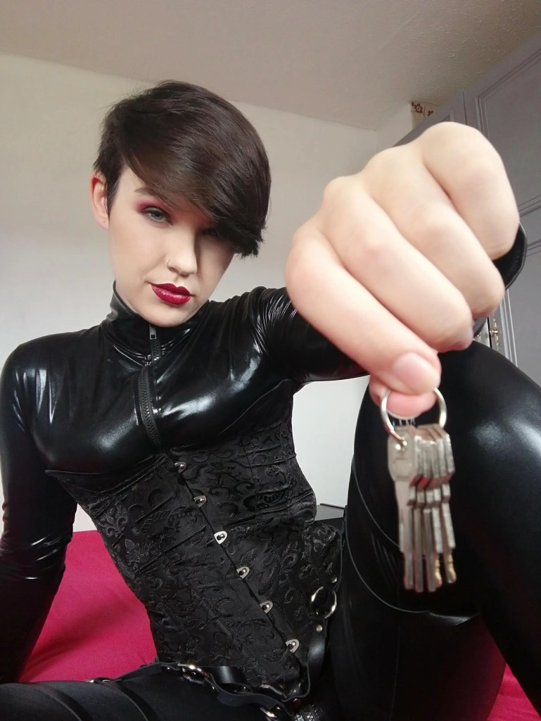 Chastity Keyholder Miss Kat - image  on https://blackcockcult.com