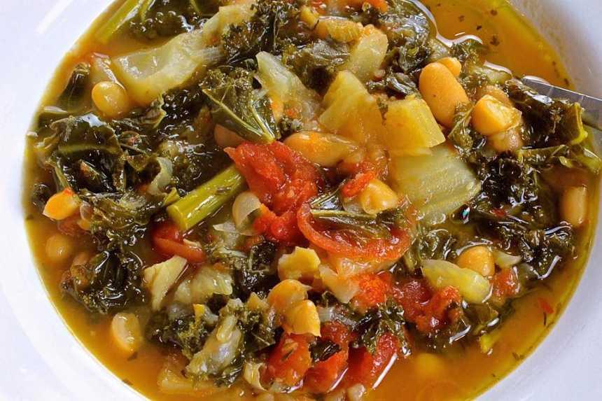 Tuscan White Bean Soup with Kale