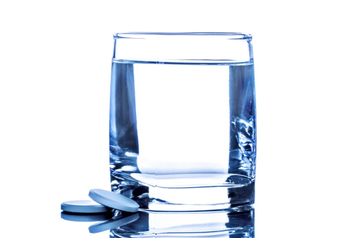alka seltzer with water