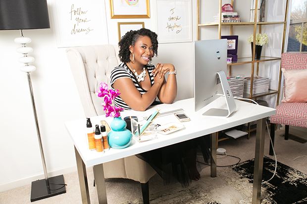 awesome first black woman with a patent for all natural ingredient hair product blackdoctor. Black Bedroom Furniture Sets. Home Design Ideas
