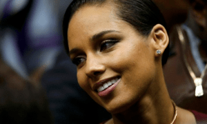 Alicia Keys smiling
