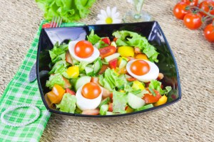 lettuce with vegetables and boiled eggs
