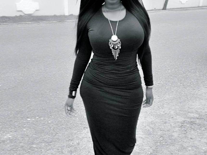 black woman passes out due to wearing waist trainer
