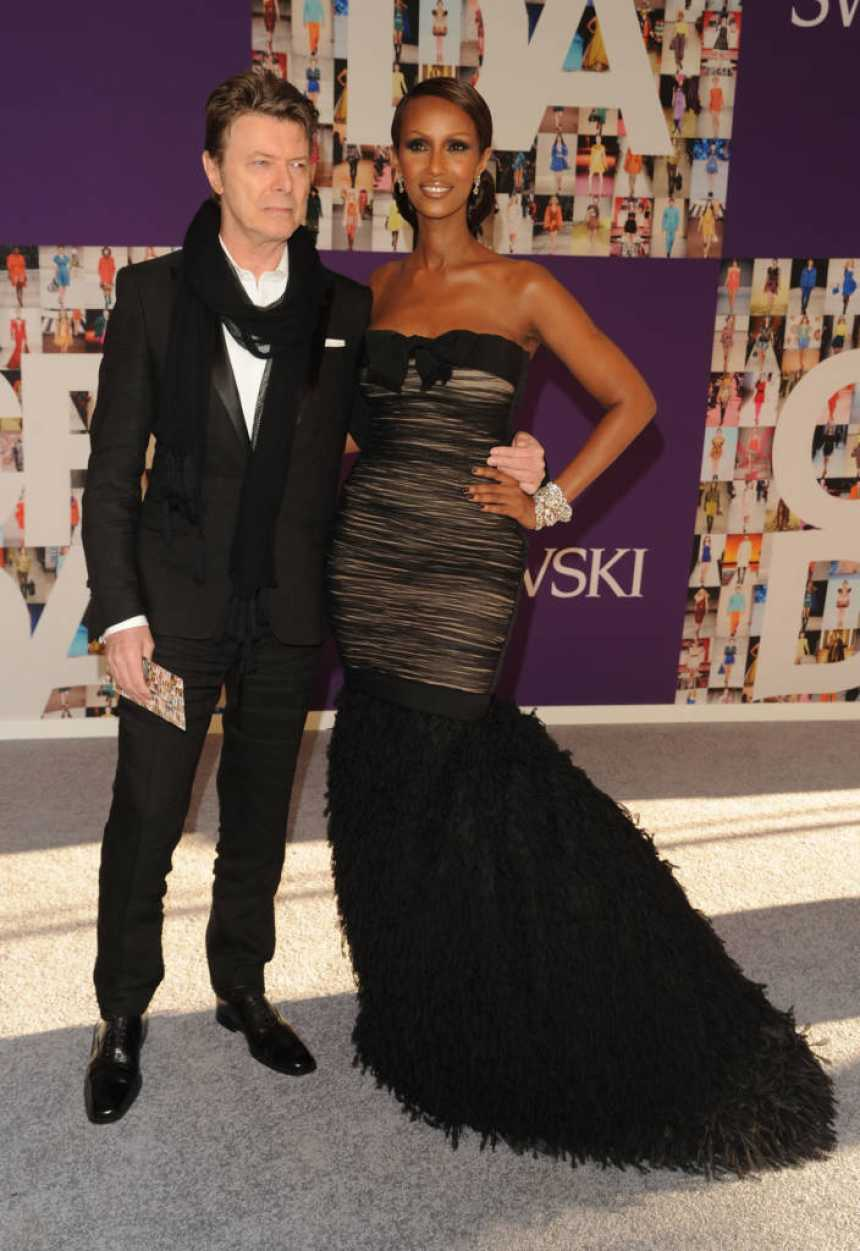 NEW YORK - JUNE 07: Musician David Bowie and model Iman attend the 2010 CFDA Fashion Awards at Alice Tully Hall at Lincoln Center on June 7, 2010 in New York City. (Photo by Andrew H. Walker/Getty Images)