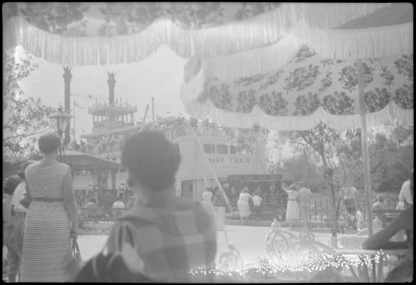 1955-07-18- Disneyland 4