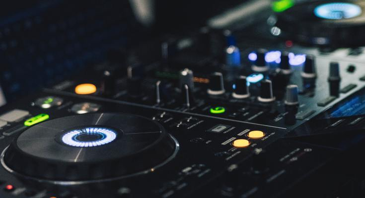 DJ Controller Black Friday Deals 2019