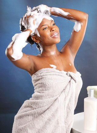 black-woman-washing-hair