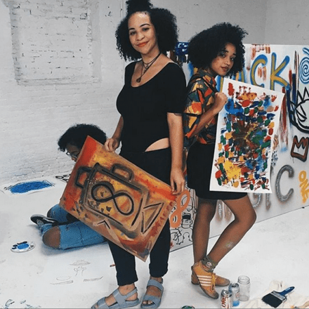 #Unbothered: Amandla Stenberg Poses It Up With Girlfriends ...