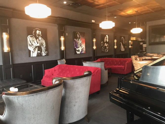 Phil-&-Derek's-The-Lounge