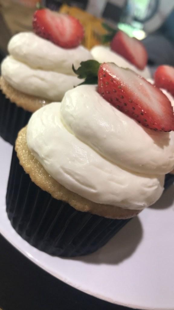 Cupcake Wars-CrisysCupcakes