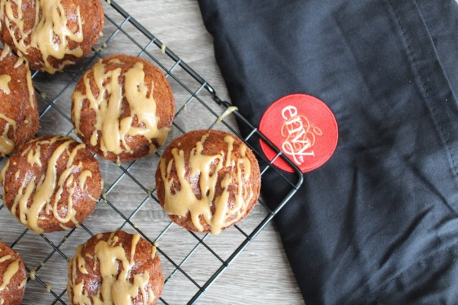 pple Cinnamon Cake with Brown Sugar Glaze-2