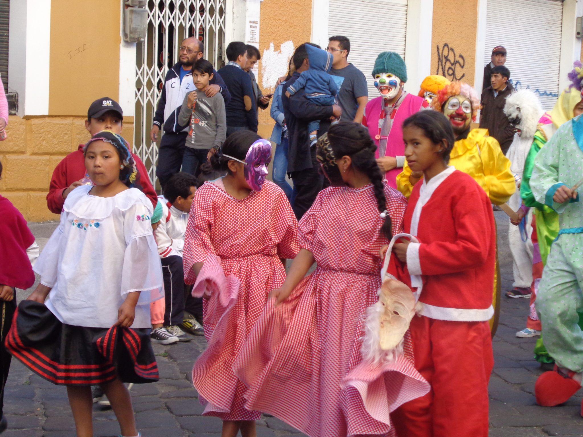 Riobamba-ecuador-bus-tour