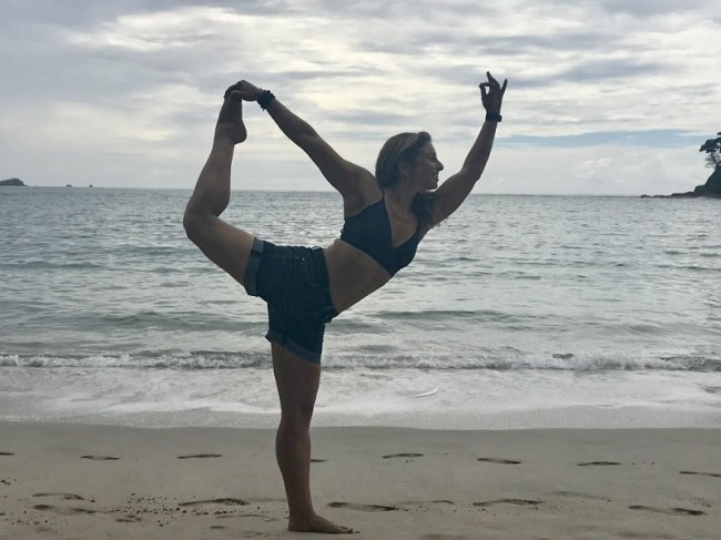 samantha-yoga-1
