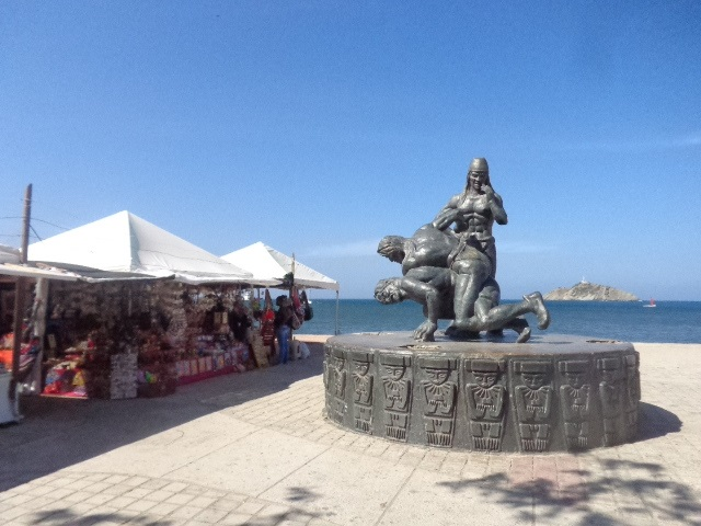 santa-marta-statue