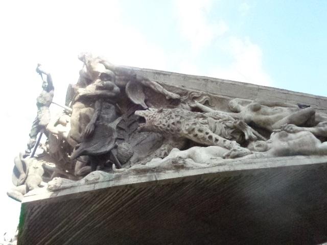 medellin-statues
