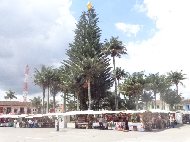 square-of-guatape-town