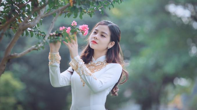 [06 ngày trước Tết] Dazzling Xuan with beautiful hairstyles when wearing ao dai