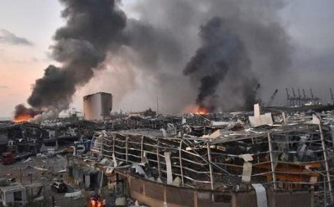 #HandsOffLebanon: France poised to recolonize after Beirut bombing