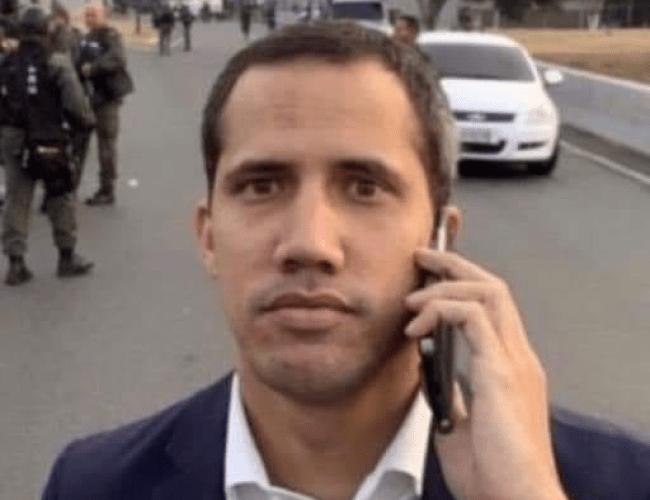 Juan Guiado meme (Mum, can you pick me up? My coup didn't work out)