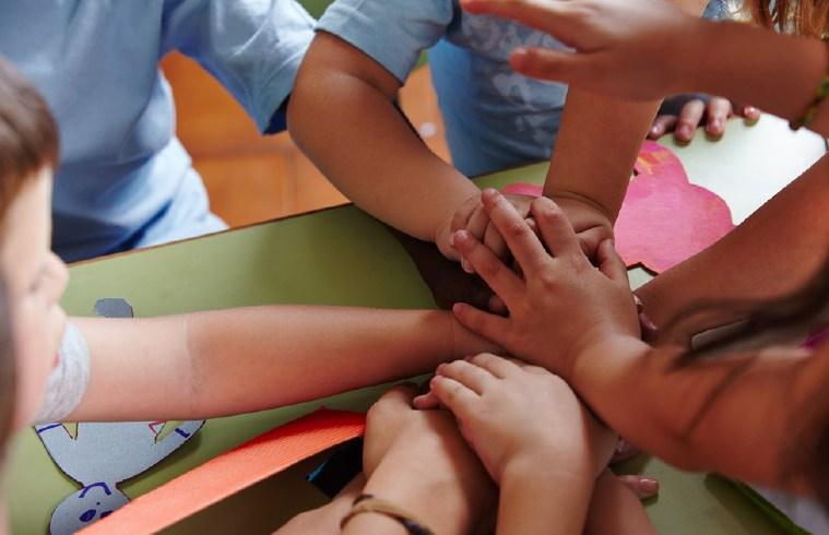 kids support hands