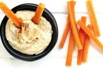 Hummus and Carrots