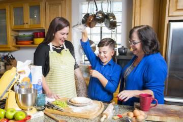 Thanksgiving Family Fun Baking