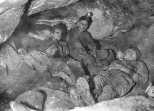 Jan_and_Herb_Conn,_Dave_Schnute,_Dwight_Deal_in_Jawel_Cave_-_1959