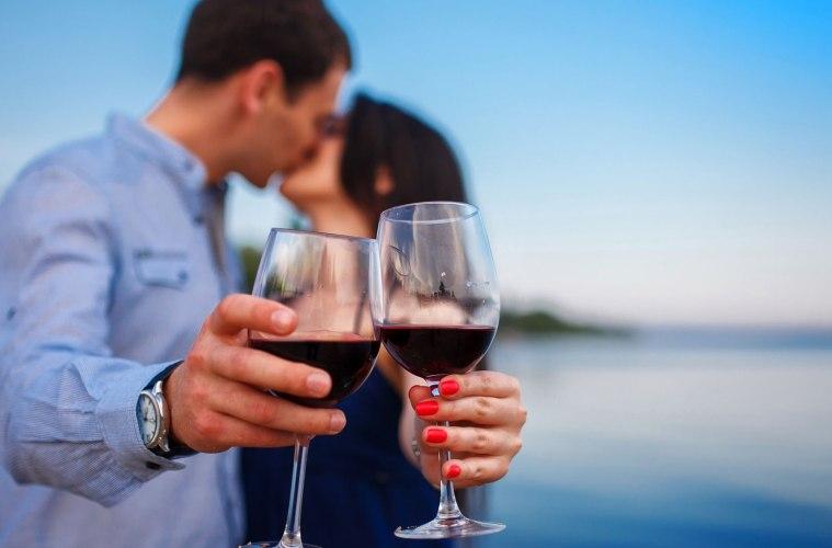 Wine Kissing