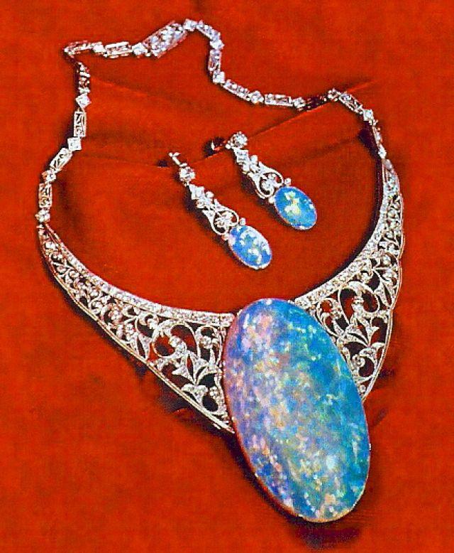 Australian opal collection of queen Elizabeth ii England's royal family favorite gem stones