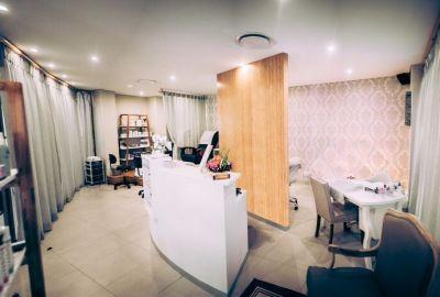 Harmonica salon interior design