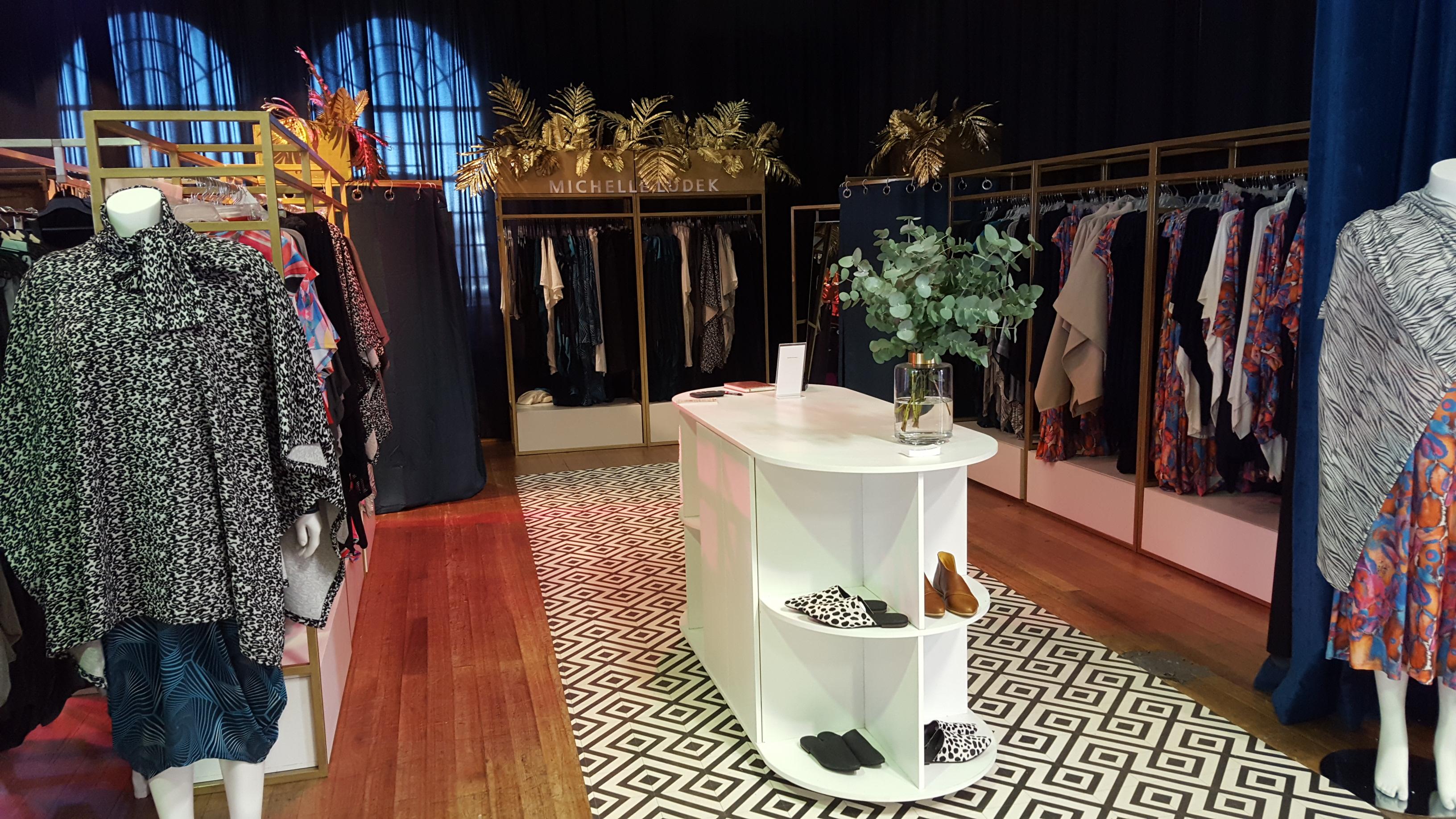 expo stand design retail interior design